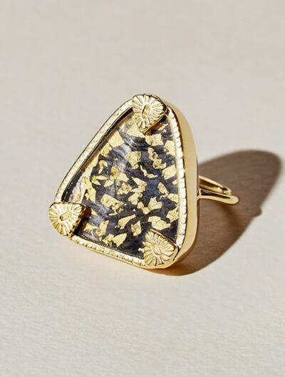 Bague Macha - Onyx Texturé recouvert de feuilles d'or